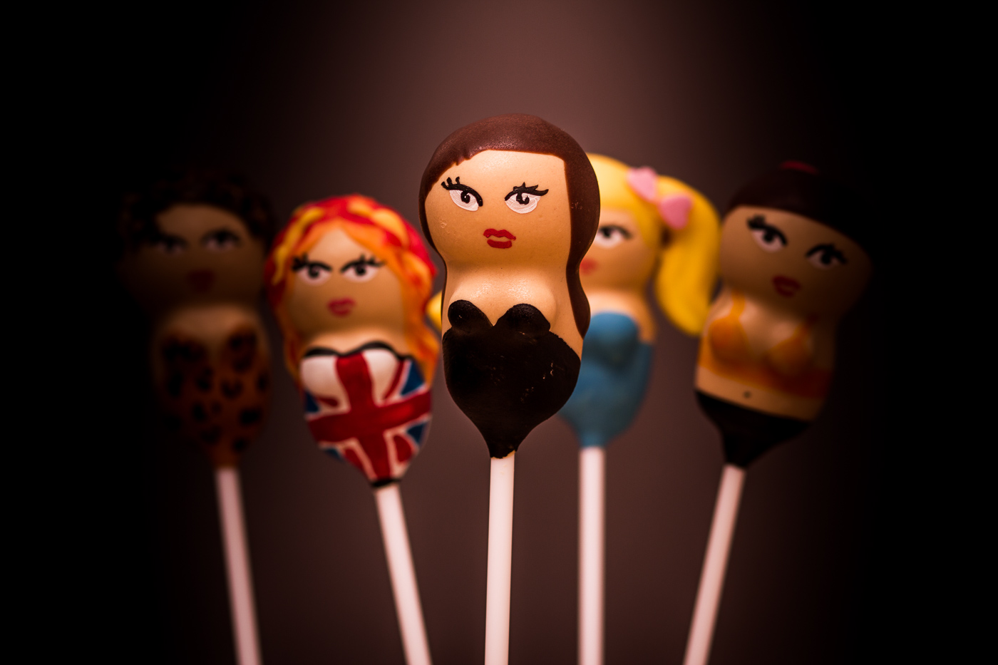 Posh Spice cake pop