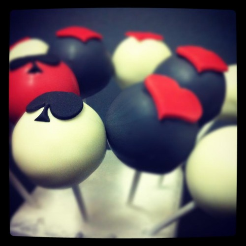 card suits cake pops
