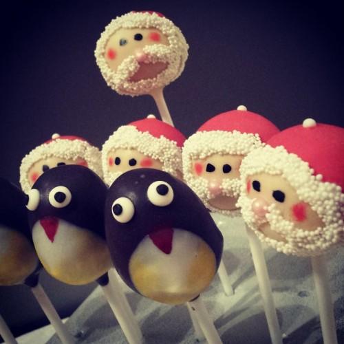 penguin and santa cake pops