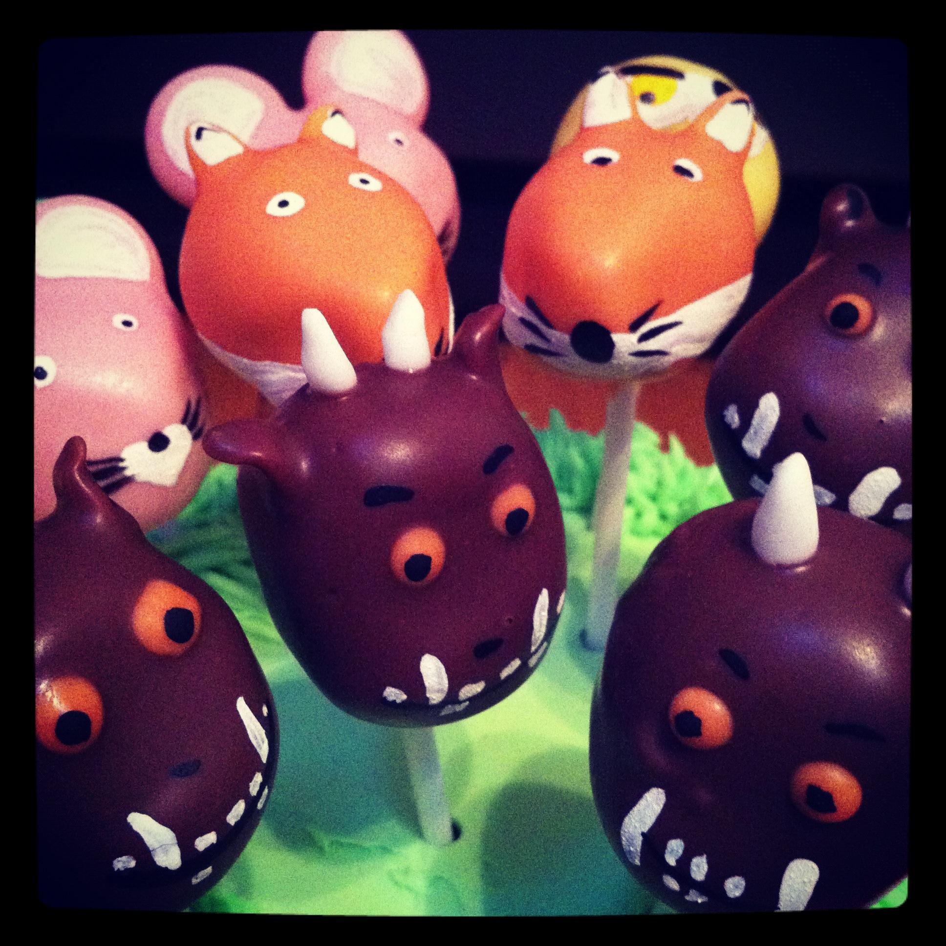 Gruffalo pop cake