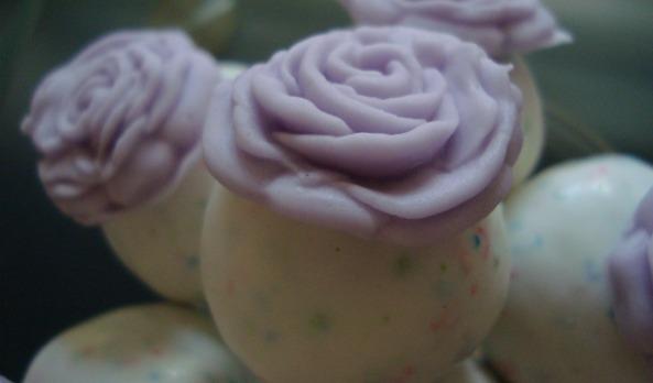 Violet rose cake pops