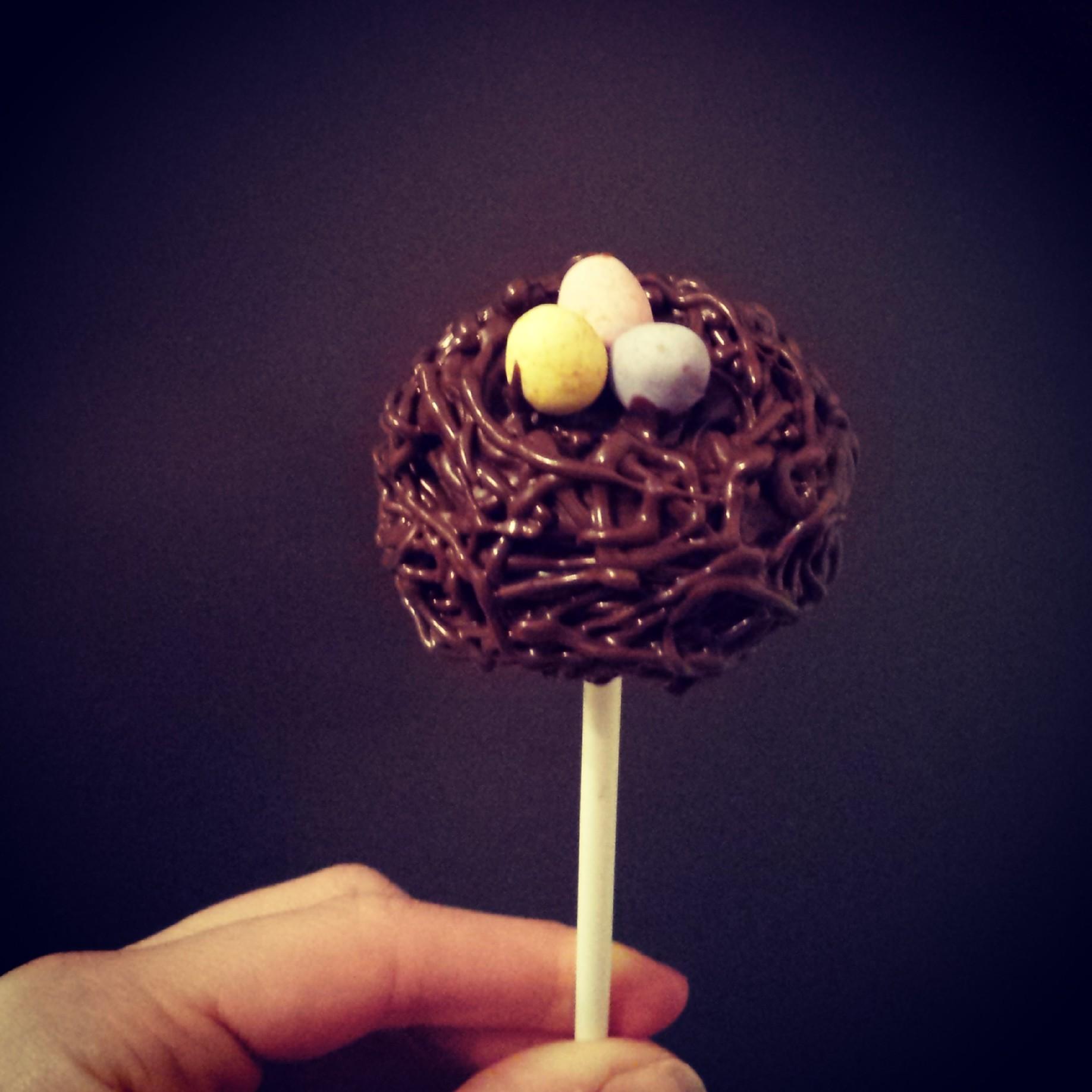 Bird's nest cake pops