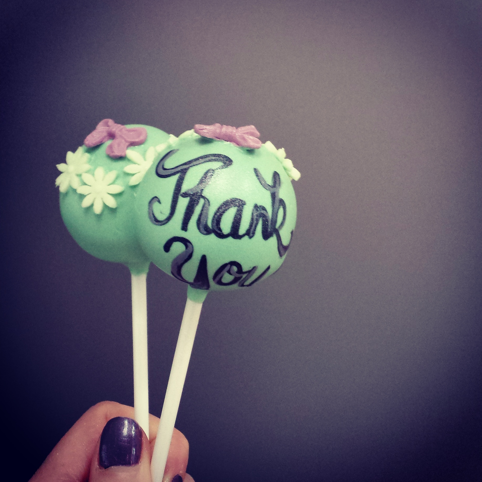 Flower 'Thank You' cake pops