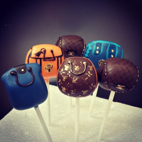 Handbag collection cake pops