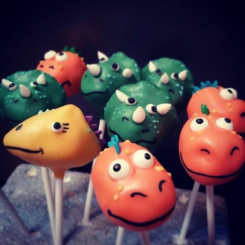 Dinosaur cake pops